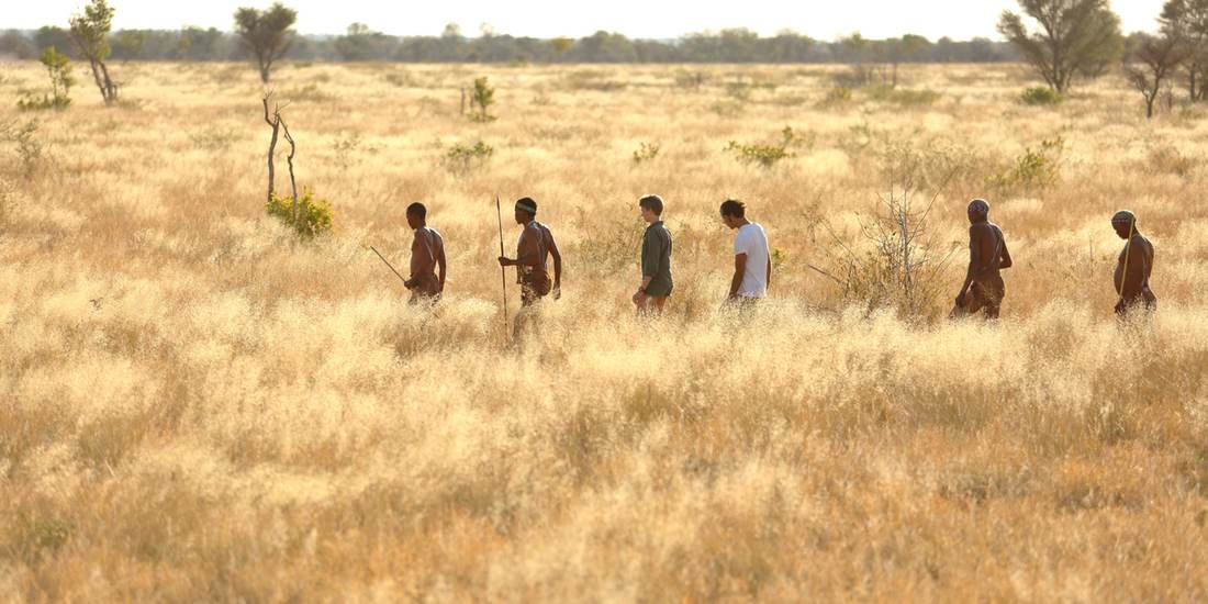 walking-safari-bushmen