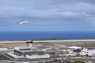 Plan taking off from St Helena