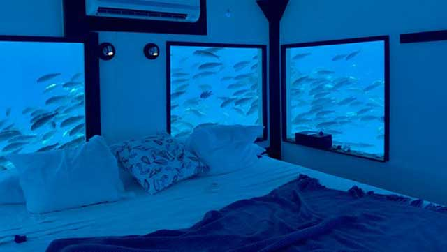 Underwater Room, The Manta Resort