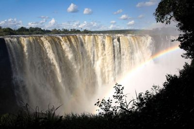 Dramatic vistas of Victoria Falls await Mbano Manor's guests – via Zimbabwe Tourism