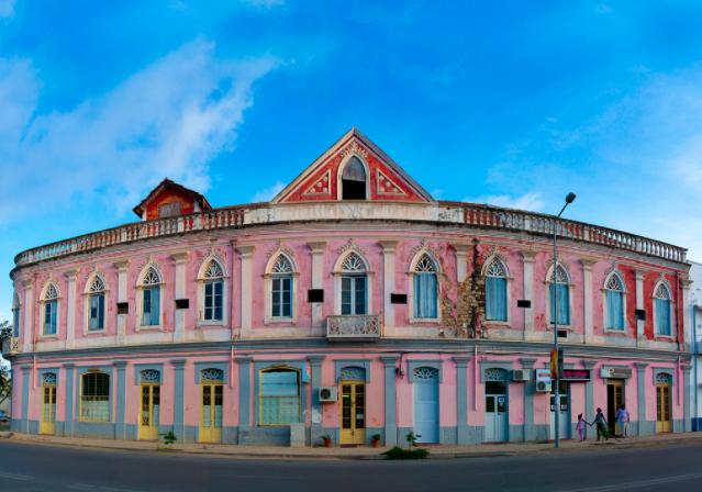 Lobito Portuguese colonial house, Angola – via Pinterest
